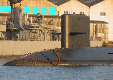 自衛艦・潜水艦の解体中?