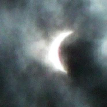 北九州市内の日食1(10:56ごろ撮影)/明るさ補正済み/2倍に拡大
