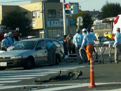 国道3号線で交通事故(宗像市野坂交差点)