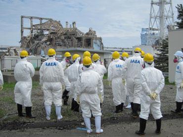 東京電力はIAEAが福島第一原発を調査した際(2011.05.27)の報道配布写真を改ざんしている